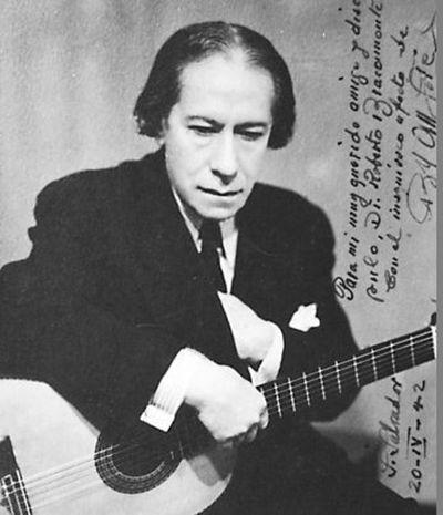 Bisnietos de Agustín Barrios junto al guitarrista Julio Cristaldo rinden homenaje a Mangoré