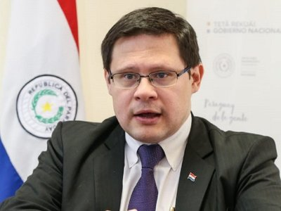 Abdo designa a Óscar Orué como nuevo viceministro de Tributación