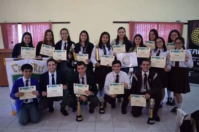 Yacyreta costeará pasajes de jóvenes paraguayos que participarán en las Olimpiadas Iberoamericanas de Químicaen Portugal