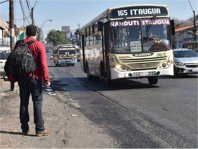 Refugios de pasajeros son escasos  sobre extensa Avda. Eusebio Ayala