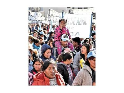 Fernández descarta cese de pagos de la deuda argentina