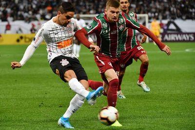 Corinthians cede un empate