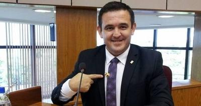"HOY / Estudiantes critican ""show"" de Petta en redes sociales"