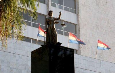 Reciben carpetas para cargos en Alto Paraná y Alto Paraguay