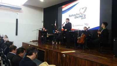 """Premian a """"El saber va Contigo"""" por promover el uso del idioma guaraní"""