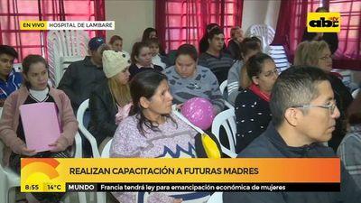 Realizan capacitación a futuras madres en hospital de Lambaré