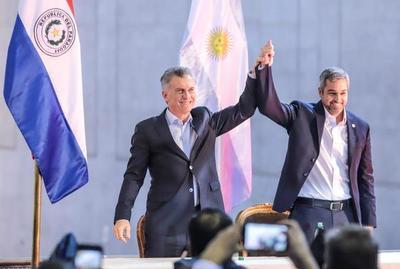 Abdo Benítez y Macri inauguran paso fronterizo de Yacyretá para estimular comercio