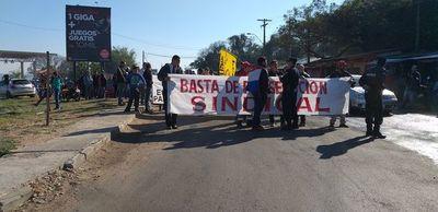 Manifestación de funcionarios de la Dinac tiene intereses políticos, aseguran
