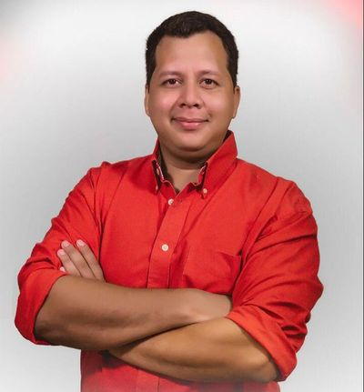 Candidato se instala como alternativa en elecciones juveniles de la ANR