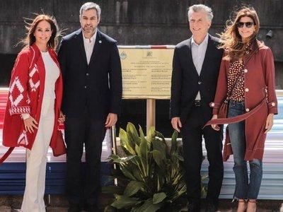 Abdo Benítez da discurso con sesgo electoral en acto oficial con Macri