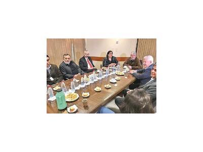 Diputado brasileño indaga sobre negociación de Leros