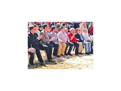 Calé participa de acto cartista con discurso crítico de HC al Gobierno