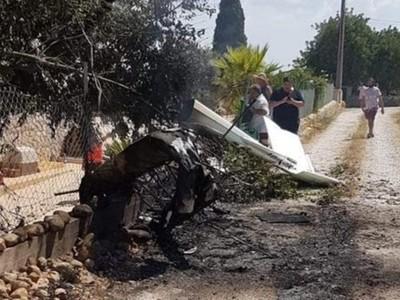 España: siete muertos al chocar en el aire una avioneta y un helicóptero