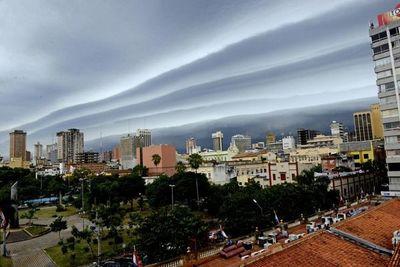 Alerta de tormentas y posible caída de granizos