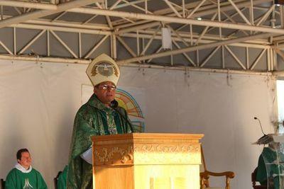 Obispo clama a autoridades acciones en tema de incendios en el Chaco