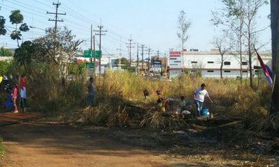 Supuestos «sin tierra» invaden propiedad en el Km 4 en CDE