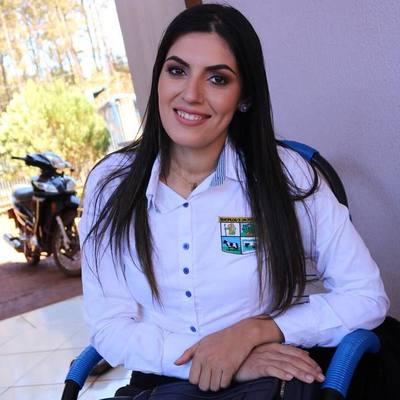 Liberales proponen a hija de Santander como su sucesora en municipales del 2020