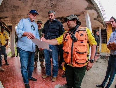 Presidente verifica tareas y anuncia arribo de avión para extinguir focos de incendio en el Chaco