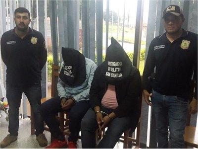 Detienen a 2 sospechosos de asalto a banco de Liberación