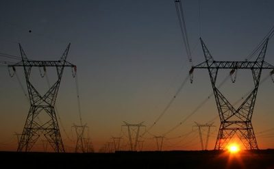 Un cuarto de siglo sin acceso a energía propia
