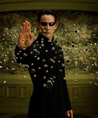 Recargada y con más revoluciones, Matrix vuelve a las salas de cine