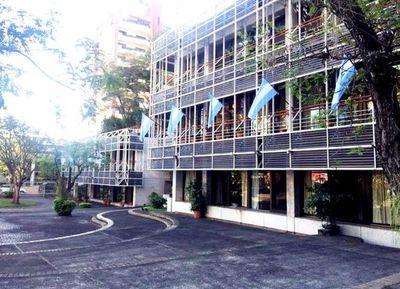 Nicanor justifica inversión en Embajada argentina