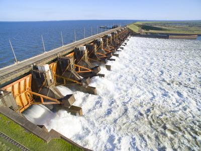 Paraguay y Argentina acuerdan continuar trabajos de adecuación de línea 500 kV