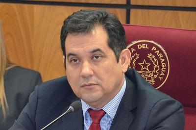 Senador trata de ineficiente a jefe de Gabinete de Abdo Benítez