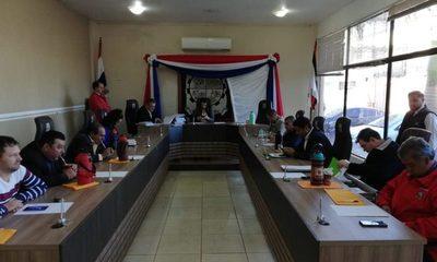 Concejales sesionan a las apuradas y dan tiempo de 30 días a Digno Caballero para que presente informes