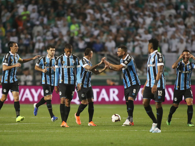 Gremio remonta y regresa a la semifinal de la Libertadores