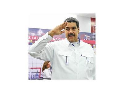 """Políticos y académicos  dicen que  Maduro es """"dictador"""""""