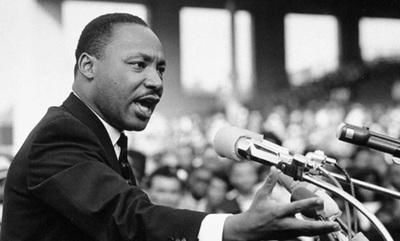 """Un día como hoy M.Luther King pronunciaba su histórico discurso """"Yo tengo un sueño"""" (video)"""