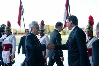El presidente Piñera llega a Brasilia para examinar incendios con Bolsonaro