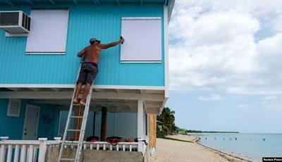 Puerto Rico cierra escuelas y abre refugios a la espera de tormenta tropical Dorian
