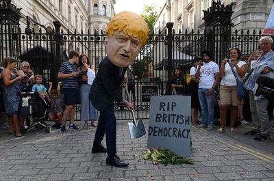 Boris Johnson suspenderá el Parlamento hasta dos semanas antes del Brexit