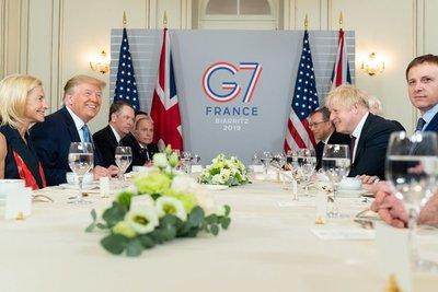 Donald Trump dice que Boris Johnson es «genial» para Reino Unido tras suspender el Parlamento