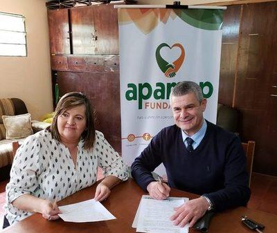Facultad de Ciencias de la Salud de la UNE renueva convenio con APAMAP