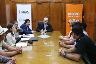 El Ministro Wiens evaluó propuestas viales con productores de Caaguazú
