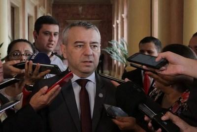 Daniel Centurión analiza volver a la Junta para apoyar intervención