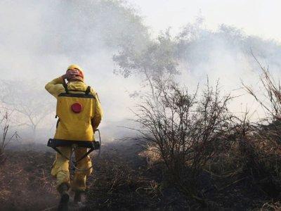 En Bahía Negra persiste incendio y avión de Chile ya arribó al país