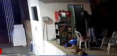 Violento asalto a gasolinera en Ñemby