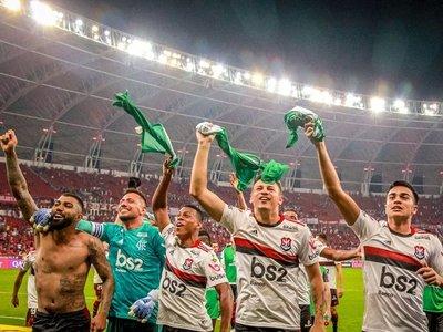 Flamengo empata y vuelve a semifinales de la Libertadores tras 35 años