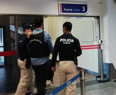 Interno de Tacumbú es trasladado a Brasil para cumplir condena