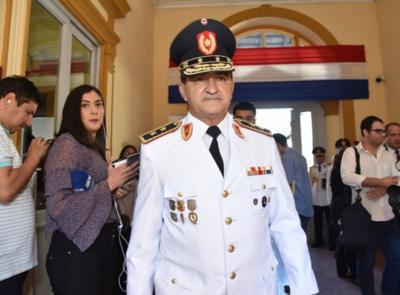 'Necesitamos esa mejora salarial para que al personal le alcance su fin de mes', sostiene comandante policial