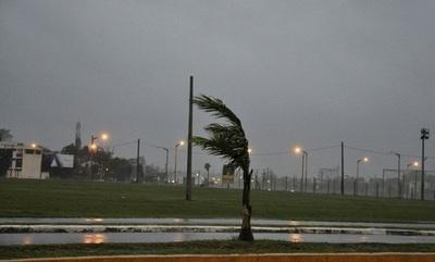 Anuncian lluvias y tormentas con descenso de temperatura