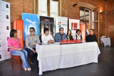 """PRESENTAN EL ESPECIAL DE LUIS ÁLVAREZ  """"UNA NOCHE DE PELÍCULA"""""""