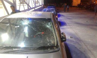Barras bravas protagonizan violentos incidentes y destrozos en la SND
