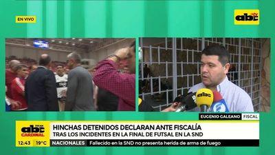 Hinchas detenidos declaran ante fiscalía
