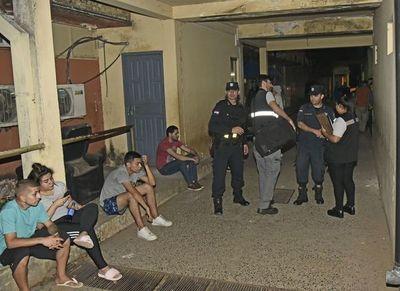 Fiscalía ordena liberar a 40 menores que estuvieron en riña entre barrabravas