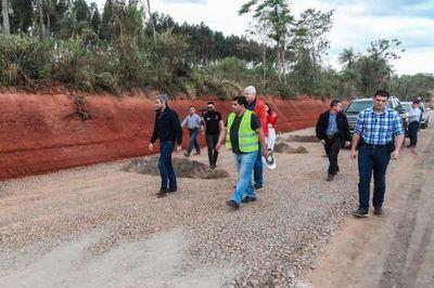 Jefe de Estado verificó obras viales ejecutadas en Caaguazú